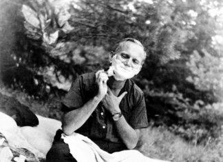 Papież Jan Paweł II (Karol Wojtyła) goli się - Lifehacker