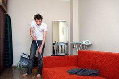 Jak pozbyć się niepotrzebnych rzeczy z domu - Lifehacker