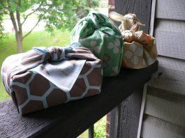 Furoshiki - japońska chusta do robienia torebek i owijania rzeczy - Lifehacker