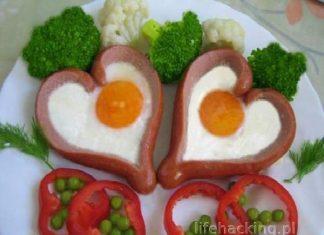 Jajecznica z parówkami - serduszka