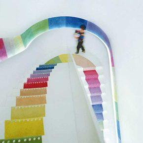 Tęczowe schody