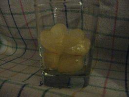 Lód z soku jabłkowego