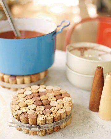 18 zapierających dech sposobów na wykorzystanie korków po winie - podstawka pod gorące naczynia