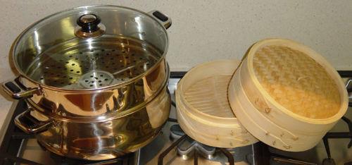 Jak gotować na parze, jeżeli nie mamy parowaru