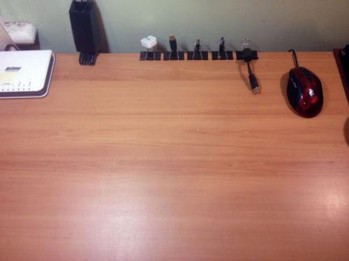 Autorski sposób organizacji przewodów przy biurku - 1