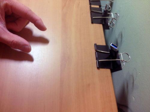Autorski sposób organizacji przewodów przy biurku - 9