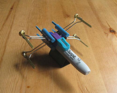 Zbuduj własny biurowy myśliwiec X-wing 6