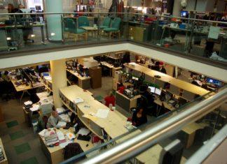 Biuro bez ścianek działowych- murowana gorsza praca, nieproduktywność, stres i podatność na choroby