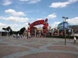 Jak zwiedzić za darmo paryski Disneyland