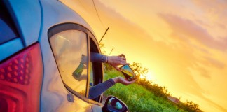 Jak łączyć pracę na etacie z podróżami?