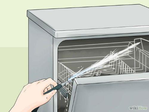 2. Umyj drzwi od środka oraz ściany wewnętrzne