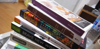 Sześć kroków do poradzenia sobie ze stosem literatury