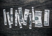 STOP KRYZYSOWI: 25 sposobów zaoszczędzenia na drobiazgach