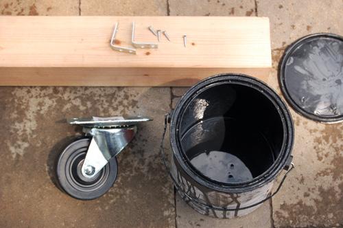 DIY robimy z palet drewnianych uroczy stolik ogrodowy 1