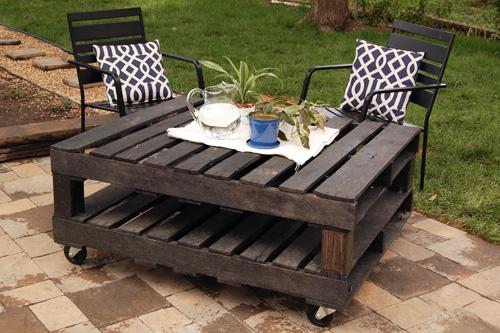 DIY robimy z palet drewnianych uroczy stolik ogrodowy 2