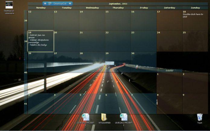 Pulpit z włączoną aplikacją DesktopCal