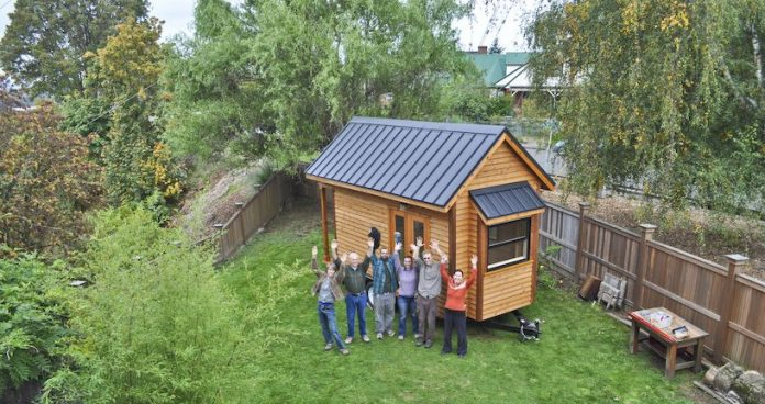 Minimaliści - RowdyKittens - domek przyczepa o powierzchni 11,86 m²