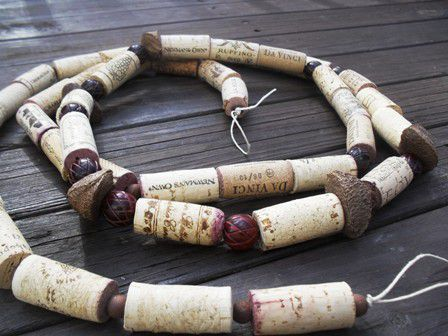 18 zapierających dech sposobów na wykorzystanie korków po winie - naszyjnik