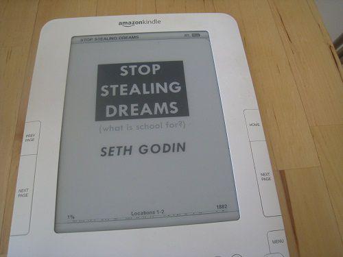 42 cytaty z manifestu Stop Stealing Dreams Setha Godina