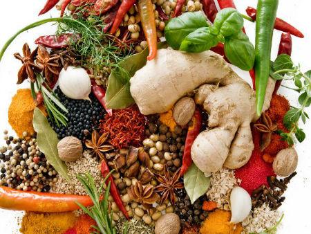 Zdrowe przekąski: co wybrać do jedzenia, jeżeli musimy coś przegryźć późną nocą