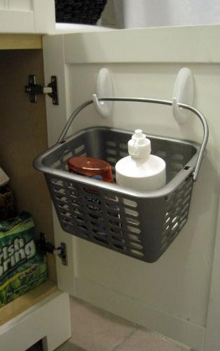 Podobnie jak w kuchni, haczyki pomogązorganizować przestrzeń w łazience