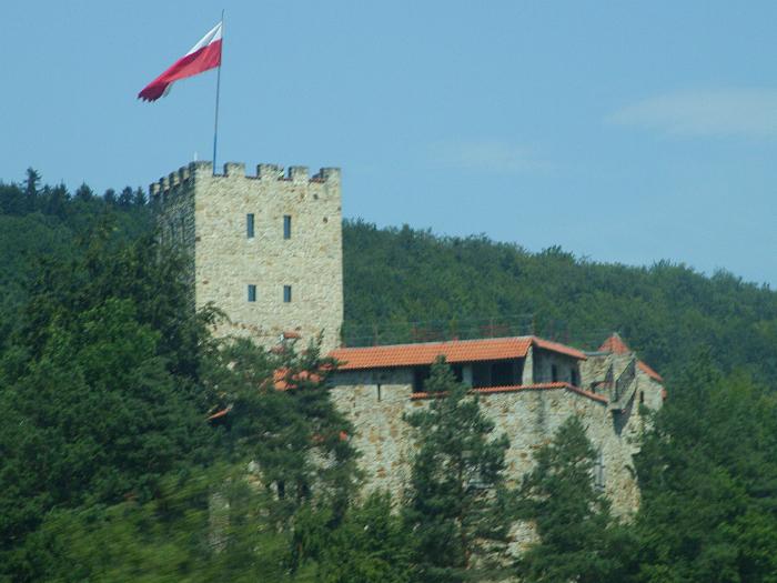 zamek Tropsztyn w Wytrzyszczce koło Czchowa Małopolska pomysł miejsca na wakacje w Polsce